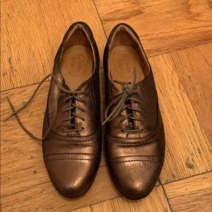 Clarks Bronze/ Copper  Distressed Leather Oxfords
